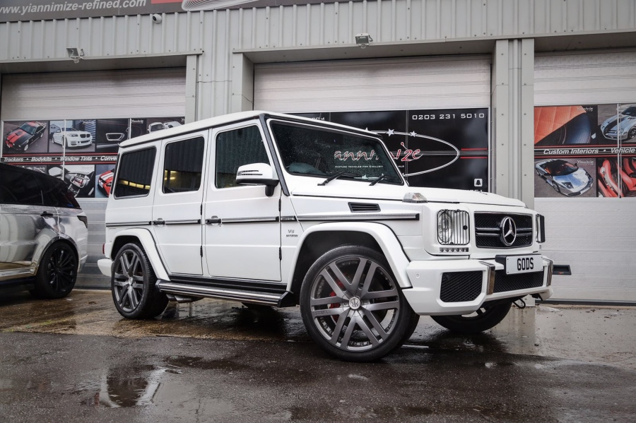 white mercedes g wagon g63 amg crystal chauffeurs. Black Bedroom Furniture Sets. Home Design Ideas