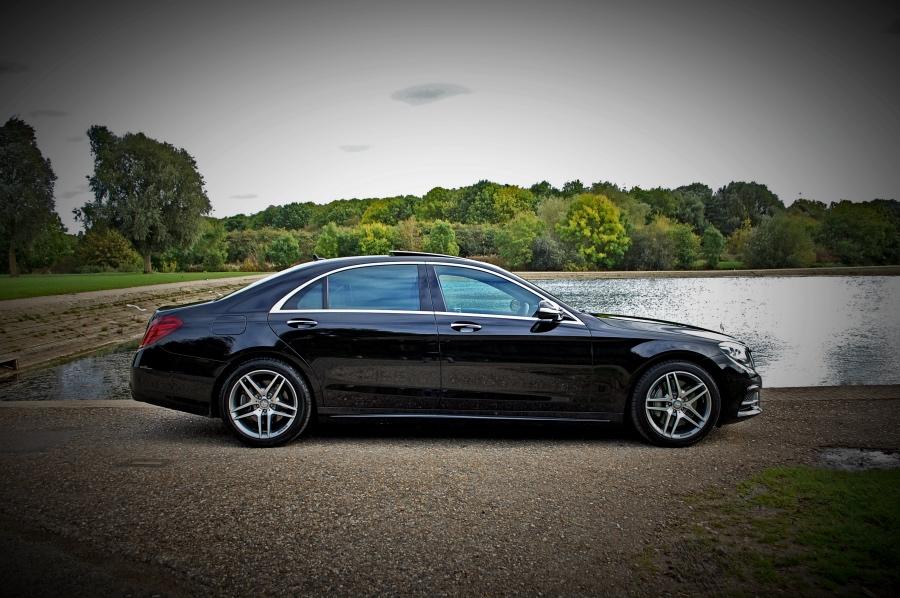 Black s class mercedes wedding car hire executive hire for Mercedes benz s550 car cover